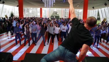 Evento corporativo baile